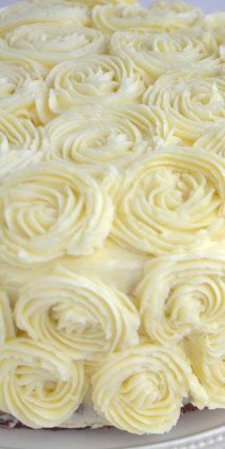 gâteau avec décoration fleur