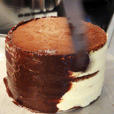 couvrir-gateau-ganache-au-chocolat