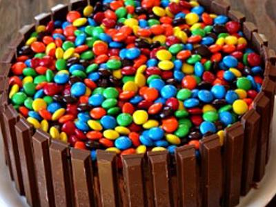 recette facile de gâteau kit kat et m&m's