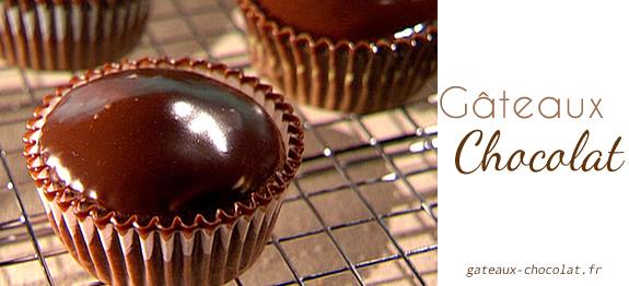 Recette du gla age au chocolat effet miroir sans g latine - Glacage miroir chocolat ...
