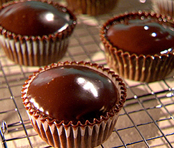 Recette du gla age au chocolat effet miroir sans g latine for Miroir de sucre
